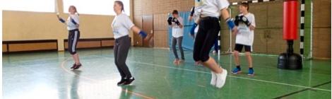 Oberschule in Glandorf glücklich über neuen Boxsack