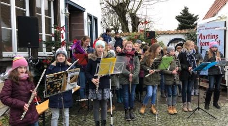 Weihnachtslieder für den Weihnachtsmarkt an der Windmühle