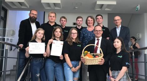 """Die Garten-Crew auf """"Gold-Besuch im Kultusministerium in Hannover"""