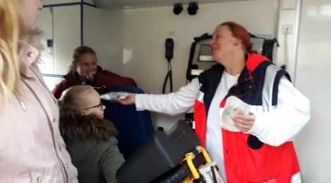 Rettungswagenbesichtigung an der LWS