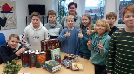 Neue Bücher, Hörbücher und Spiele für den Ganztag