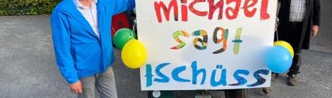 """Michael sagt """"tschüss""""!"""